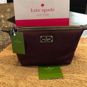 💕NWT Kate Spade Make Up Bag